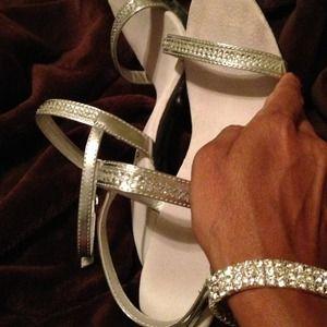 Shoes - 2 blings 🎉 1 Price Shoes and bracelet PREbundle!