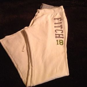 Abercrombie & Fitch NWOT sweats