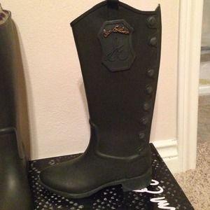9daea51e61258b Sam Edelman Shoes - Sam Edelman olive green rider rain boots!