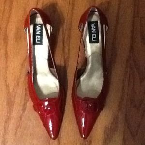 Crimson patent cutout pumps, 7 N. Brand new!