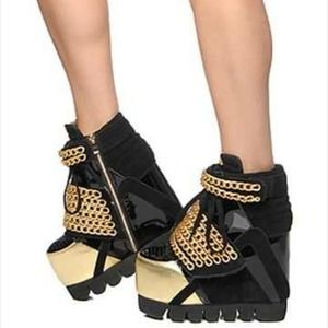 The enough shoe in gold chains jeffrey campbell