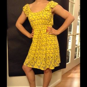 JUICY COUTURE  Sweet Yellow Graphic Print Dress