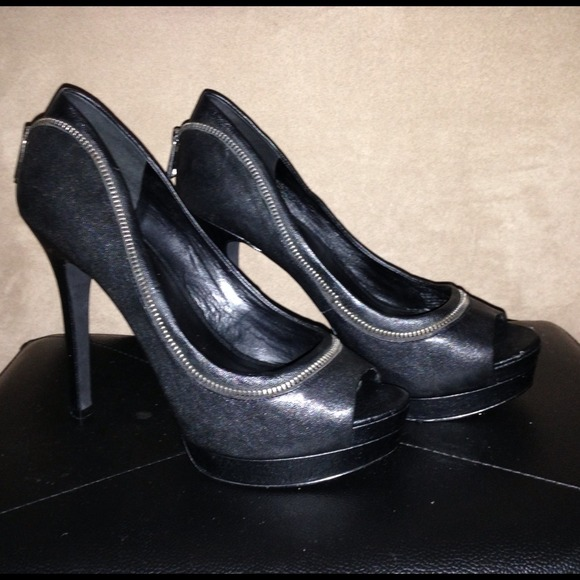 Jessica Simpson black leather heels