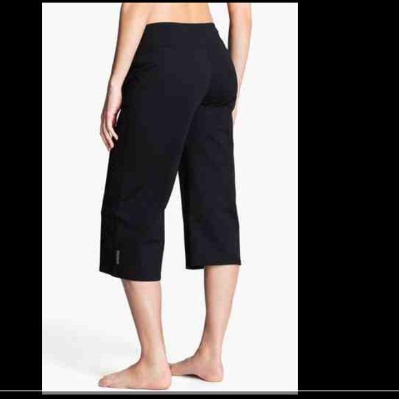 Zella Capri Yoga Pants From Allthis's Closet On