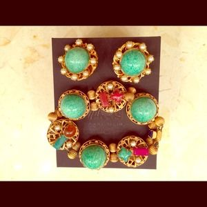 Vintage glass/semiprec bracelet and clip earrings