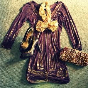 DTsD)Daytrip plum dress with rubbed on gold.