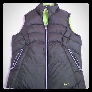 Reversible Nike Puffy Vest