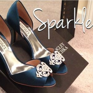 Badgley Mischka Satin 'Salsa' Teal Heels - 7 NWT!