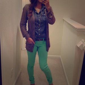 Denim - RESERVED Mint skinny jeans and sweatshirt bundle