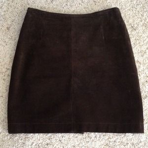 Brown suede skirt. Size 6 petite. Fit 4 misses.