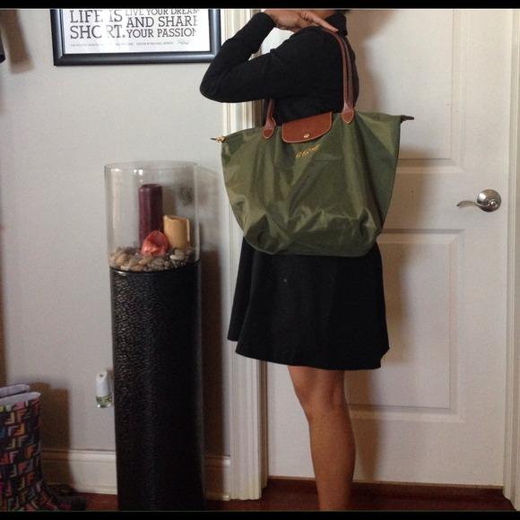 0bb7f8775c77 Longchamp Handbags - Olive Green LongChamp bag (Authentic)
