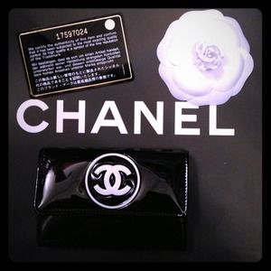Brand new authentic CHANEL wallet 