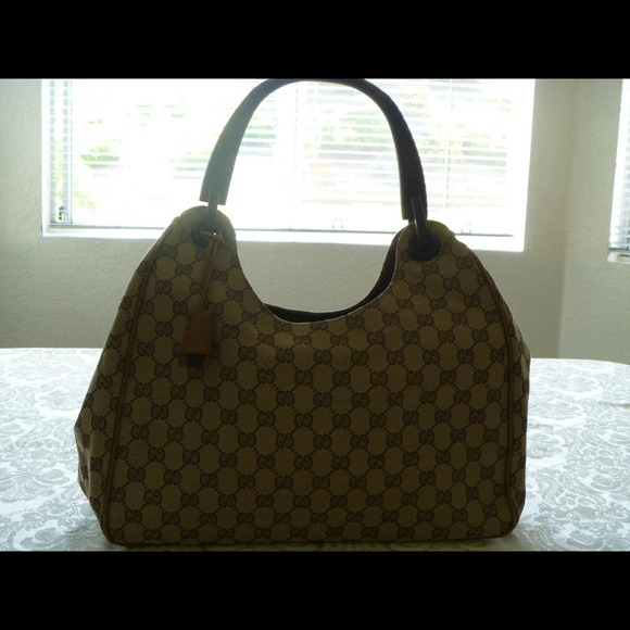 Gucci Camel Gg Fabric Shoulder Bag W Wood Handle