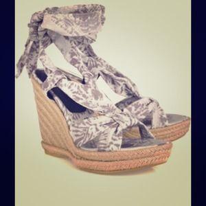 Stuart Weitzman Shoes - Theodora & Callum/Stuart Weitzman Linen Espadrille
