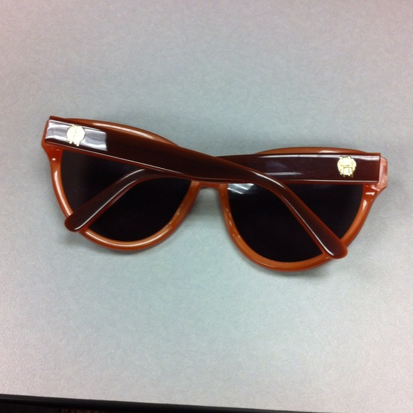 House of Harlow 1960 Accessories - 🍁Authentic House of Harlow Sunglasses