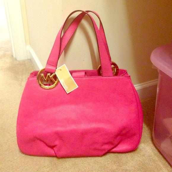7b62cc3c94f9 wholesale nwt michael kors hot pink fulton bag. 2213a 17f65
