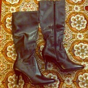 Steve Madden brown high calf boots size 9