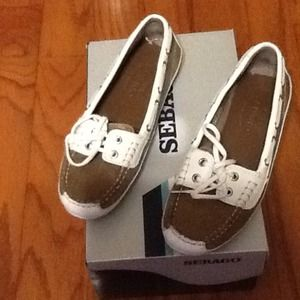 Sebago boat shoes, 7.5 M.  Barely worn