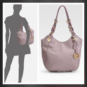 8d5072aa235e MICHAEL Michael Kors Bags - 🎉HOLD FOR ELIZA🎉 Michael Kors Lilly Tote