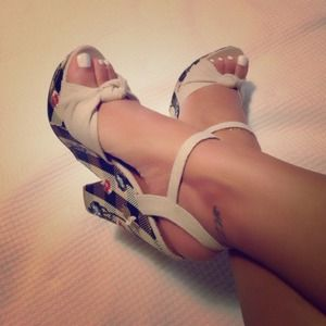 Shoes - Platform wedge sandals