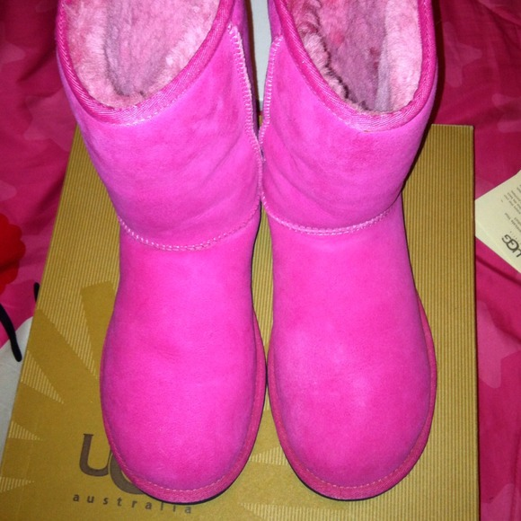 pink uggs black sole