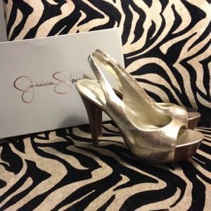 Jessica Simpson Platform Pumps!!