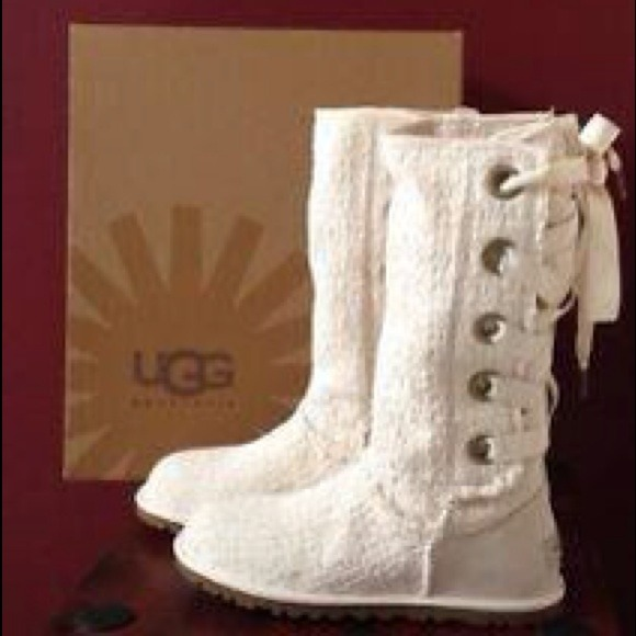 Ugg brand new back lace up ugg authentic from gleidys s closet on