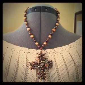 Jewelry - •Pearl Cross Necklace•