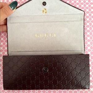 size 40 89c77 5fcaa Gucci folding sunglass case ONLY