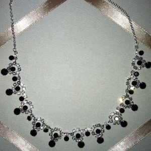 Black and white necklace NWOT