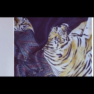 Looking for this! Tiger zara scarf black. ISO