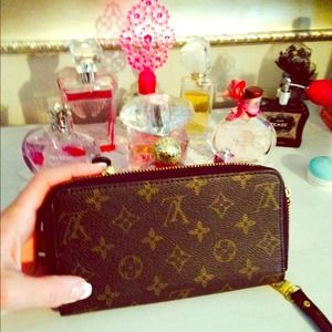 LV Clutches & Wallets - WALLET