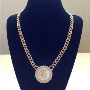 Jewelry - Lion Emblem Pendant Chain Necklace