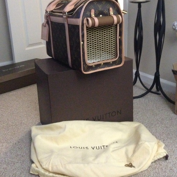 af7203d40ec Louis Vuitton Handbags - Louis vuitton dog carrier