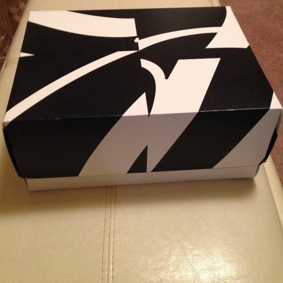 Saks fifth avenue gift box
