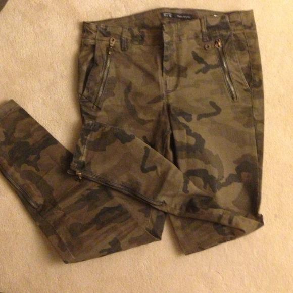 Creative Top Zara  Army Pants Zara  Heels Nelly