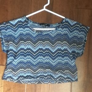 F21 knit blue/brown/white cropped tee. Size S