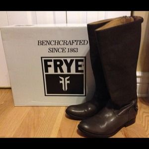 Frye Melissa Back Button Zip