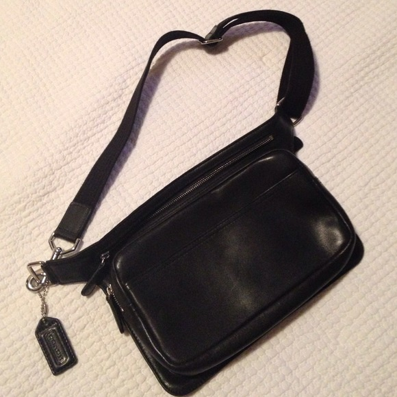 Coach Bags - Coach Leather Fannie Pack!