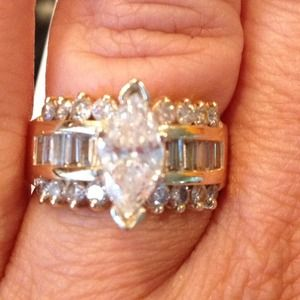 Jewelry - Gold Diamond Ring/Band