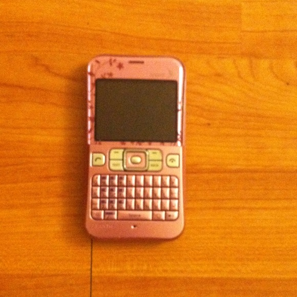 Sanyo pink sprint phone hardly used