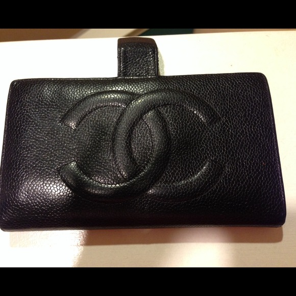 9ac3a7f14cdb7c CHANEL Clutches & Wallets - Authentic Vintage Chanel leather wallet
