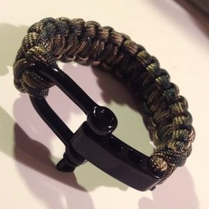 Accessories - Handmade paracord survival bracelet in camouflage