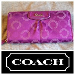 COACH large zippy wallet