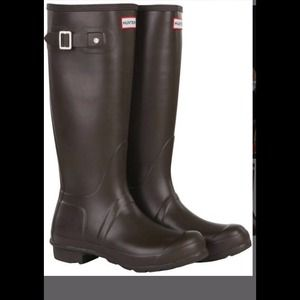 Hunter tall rain boots - chocolate brown Size 7/8