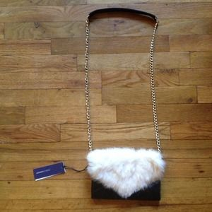 Rebecca Minkoff Clutches & Wallets - 🎉3XHOST PICK🎉Rebecca Minkoff Fur Wallet On Chain