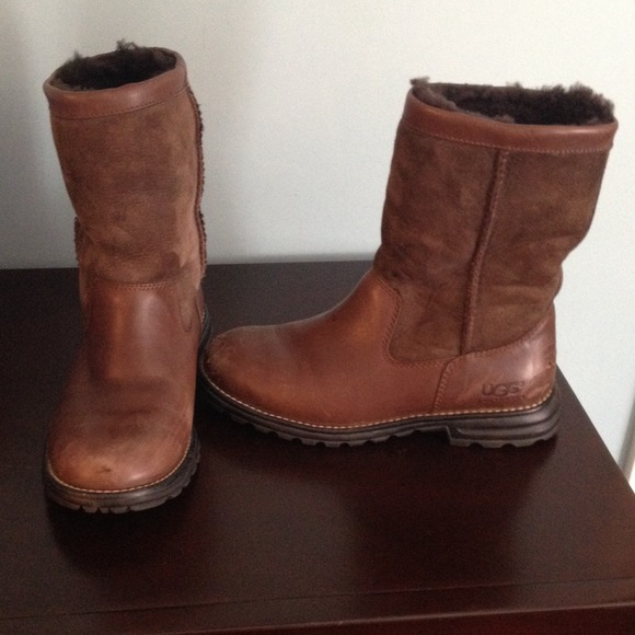 UGG - ! Brown leather ...