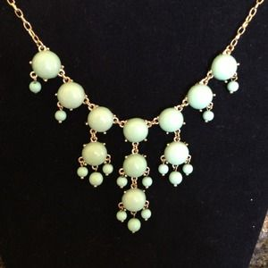 NWT Statement Bubbles necklace