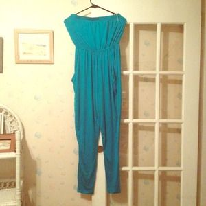 Tops - Nwt adorable jumpsuit