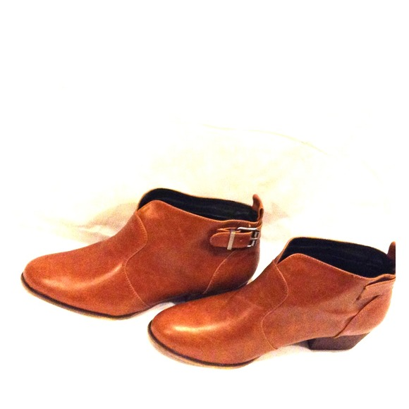 top-rated better price for look good shoes sale Chelsea crew brown leather ankle boots